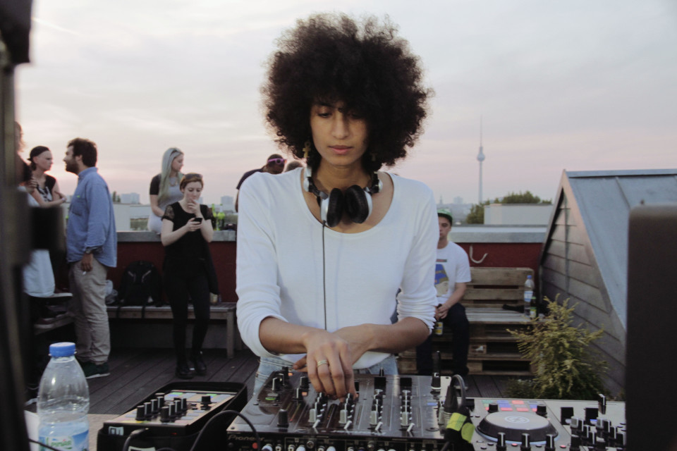 Press pic ・ Sarah Farina ・ Boiler Room Sept 2014 ・ by Zoya Bassi www.zoyabassi.com